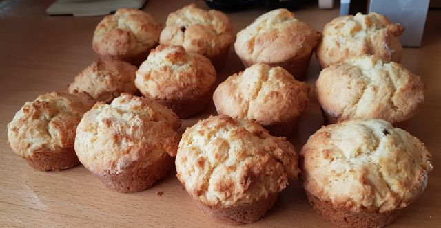 12 Frisch gebackene Scones