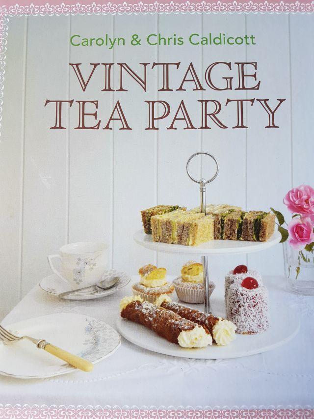 Vintage Tea Party von Carolyn & Chris Caldicott