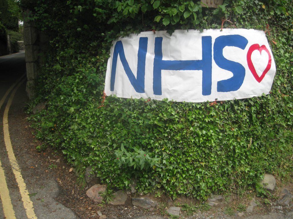 NHS Transparent mit Herz